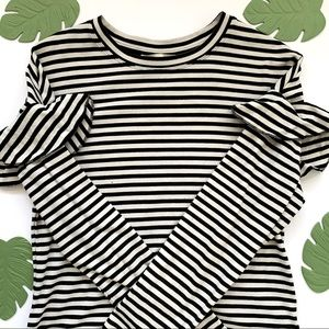 Long Sleeves with Ruffles Striped Top